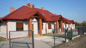 Leszno ul.Kasztelańska - domy wolnostojące i w zabudowie bliźniaczej